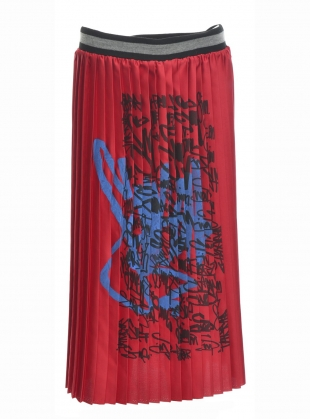Young British Designers: RED PLEAT SCRAWL SKIRT by Simeon Farrar