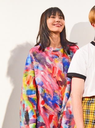 Young British Designers: HAND PAINT OVERSIZED SWEATHER- last one by Caplan Entwisle